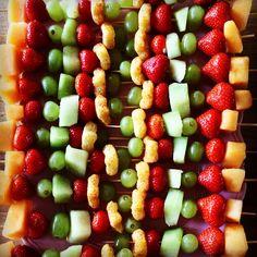 Kids traktatie; aardbei, meloen, druiven en organix.