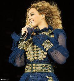 Beyoncé Formation World Tour Heinz Field Pittsburgh Pennsylvania May 2016 Beyonce Knowles Carter, Beyonce And Jay Z, Beyonce Costume, The Formation World Tour, Formation Tour, Divas, Beyonce Performance, Estilo Beyonce, Beyonce Pictures
