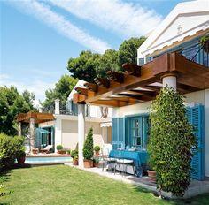Una casa azul y blanca en la Costa del Sol · ElMueble.com · Casas