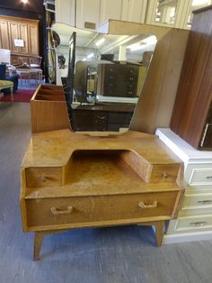 G Plan Dressing Table With Funky Shaped Mirror H-133cm W-91cm D-46cm - £65 (PC668)