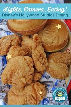 Dreaming of dining like a celebrity or snacking with the stars? Read this post to see all the delicious Disney's Hollywood Studios dining options! Disney Dining Tips, Disney Tips, Disney Ideas, Disney Stuff, Walt Disney, Best Disneyland Food, Disney World Food, Disney Worlds, Disney World Hollywood Studios