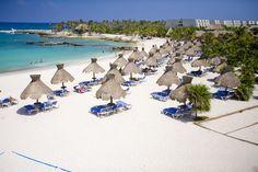 Beach Grand Sirenis - omg that beach ☀️