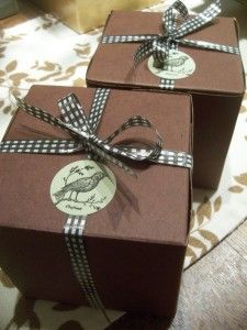 baked goodies in simple brown boxes, gingham ribbon and bird sticker    Homeade gifts and Greenery fun | berniewong.us