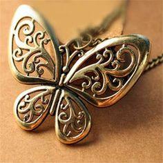 Vintage stílusú pillangó nyaklánc Nyaklánc hosszúsága: 68 cm Anyaga: cink ötvözet Medál mérete: 5 cm X 6 cm