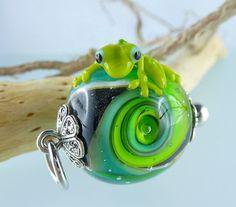1 FROG BEAD GreenSwirl   artisan lampwork bead. by ArtBead on Etsy