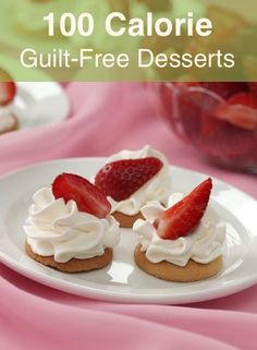 Browse 100 calorie desserts and other low calorie desserts that are guaranteed to satisfy your sweet tooth! Whip up one of these 100 calorie desserts tonight. Healthy Sweets, Healthy Dessert Recipes, Fun Desserts, Delicious Desserts, Yummy Food, Easy Recipes, Amazing Recipes, Dessert Ideas, Recipies Healthy