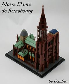 Thats one classy Dame http://www.brothers-brick.com/2015/09/10/thats-one-classy-dame/