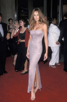 Melania Trump has lived a pretty drastic style transformation from model to First Lady. Melania Trump Model, First Lady Melania Trump, Melania Trump Ring, Today's Fashion Trends, Fashion Fashion, Fashion Outfits, Womens Fashion, Strapless Dress Formal, Prom Dresses