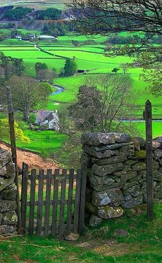 Mersey River Valley, England - the English countryside is very underrated. London and the other major cities are nice, but the countryside is scenic. Places To Travel, Places To See, Places Around The World, Around The Worlds, Photos Voyages, English Countryside, Belle Photo, Dream Vacations, Beautiful Landscapes
