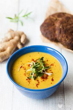 Ideał jeśli chodzi okremy. Te rozgrzewające, sycące iproste wprzyrządzeniu. Zdodatkiem szczypiącego imbiru imasła orzechowego. Niedawno zdałem sobie sprawę, żenablogu niema żadnego przepisu naciepłą zupę, atakie chodzą często wszystkim pogłowach wmomencie temperatury oscylującej około zera. Nie… Read More Soup Recipes, Vegan Recipes, Cooking Recipes, Thai Red Curry, Good Food, Easy Meals, Food And Drink, Vegetarian, Dinner