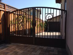 Single gate with a solar liftmaster operator.