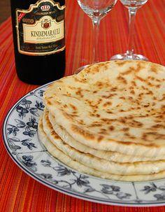 В эти выходные сбылась моя давнишняя кулинарная мечта и я напекла хачапури. Хачапури я делала по рецепту Милены с cook-talk.com. Как обьясняет Милена, это лишь одна…
