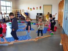 gyerekek mozognak2 Yoga For Kids, Art For Kids, World Water Day, Sensory Integration, Creative Kids, Projects For Kids, Montessori, Diy And Crafts, Kindergarten