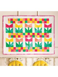 Tulip Time FREE wall quilt pattern download. Find this pattern at FreePatterns.com.