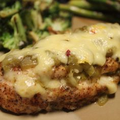 Green Chili & Cheese Chicken: This is a super-easy weeknight recipe with Mexican flair. Server with Spanish rice, refried beans, and warm tortillas! Turkey Recipes, Mexican Food Recipes, New Recipes, Cooking Recipes, Favorite Recipes, Recipies, Green Chili Recipes, Cooking Pork, Cooking Games