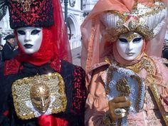 Fotografía: Guía Jesús Balsa - Carnaval de Venecia Captain Hat, Hats, Fashion, Carnival Of Venice, Dancing, Costumes, Celebs, Elegant, Moda