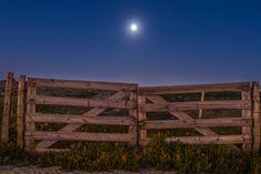 Autor da fotografia: Hugo Silva - Se gostar partilhe! #portugal #winter #cascais #guincho #night #moon #cold #nature #landscape #canon #canon7D