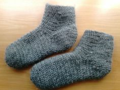 Nålebinding socks. Oslo stitch. hand-made. 100% wool.   (Also Naalbinding/needle-binding)