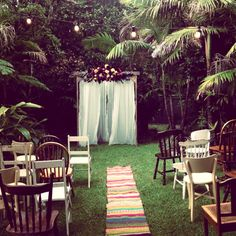boho aisle runner and mismatched chairs