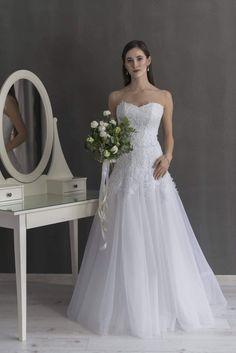 63ab860307 Najlepsze obrazy na tablicy Suknia ślubna (20) w 2019