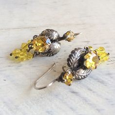 Full Range Of Specifications And Sizes And Great Variety Of Designs And Colors Hard-Working Coral Glass Earrings French Silver Metal Dangling Pierced Hooks Famous For High Quality Raw Materials