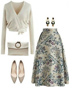 Vintage Embroidered Midi Skirt - Outfits for Work - Vintage Embroidered Midi Skirt - Look Fashion, Hijab Fashion, Fashion Dresses, Womens Fashion, Fashion Trends, Fashion Ideas, Mode Outfits, Skirt Outfits, Modelos Fashion