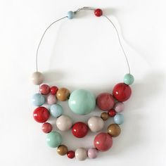 Love the color mix and chunky beads. . .must make something similar