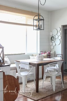 window seat breakfast nook decorated for fall | Fall Home Tour: Part One - The Wood Grain Cottage