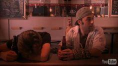 Drame dans la collocation, Roch a le cœur brisé. Nico, en bon coloc, va l'emmener boire quelques drinks pour oublier...