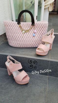 Musste mir glatt zu den Schuhen eine Tasche entwerfen ;-) Louis Vuitton Damier, Pattern, Bags, Design, Fashion, Fashion Styles, Shoes, Smooth, Felting