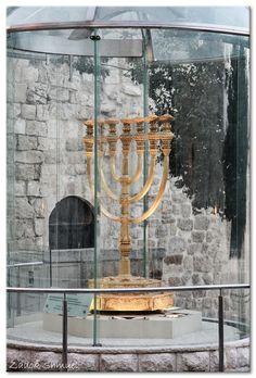 Menorah- Jerusalem, Israel