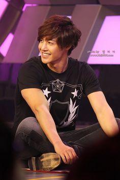 Kim Hyun Joong on Chinese variety show Que-Rak-Dae-Bon-Young