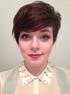 cute color and cut if i was ever brave enough for short hair.