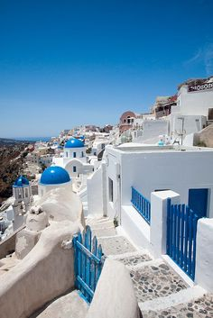 Take me back to this blue and white paradise; the only place I can say that is exactly like the photos <3