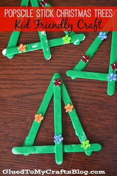 Popsicle Stick Christmas Trees, Could be a tree ornament or parent gift {Kid Friendly Craft}