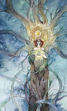 Stephanie Pui-Mun Law - Shadowscapes Tarot - Fantasy Art Q U E E N   o f   P E N T A C L E S