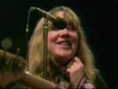 Sandy Denny and Fairport Convention - Farewell Farewell ( Promo Video ) One of the great British groups of all time.