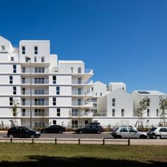 Ginko: Project: Ginko Architect: Hessamfar & Verons Project Location: Bordeaux, France Project Date: 2015This project has 93 multi-family units that are considered mid-range in a new district called Ginko. This complex is comprised of residential buildings, mid-range housing, row houses and detached houses. The architect composed block-like effect to avoid urban sprawl with units all having views of the lake. The ground floor homes have private gardens to enhance pedestrian traffic rather…