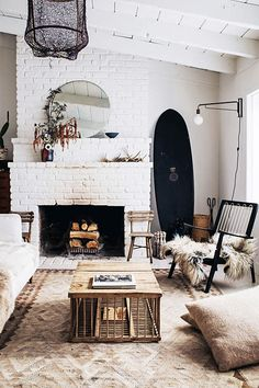 Living room design ideas with white brick fireplace + white walls and cozy furniture and decor Interior Ikea, Home Interior Design, Scandinavian Interior, Bohemian Style Home, Style Californien, Living Room Designs, Living Room Decor, Cozy Furniture, Furniture Sale