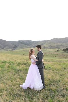 Colorado wedding | Anna Gleave Photography | see more on: http://burnettsboards.com/2014/05/pink-ombre-wedding-whimsical-details/