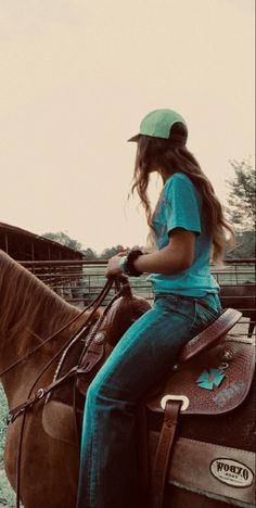 Cute Cowgirl Outfits, Country Style Outfits, Western Outfits, Horse Girl Photography, Western Photography, Looks Country, Cute N Country, Cute Horses, Beautiful Horses
