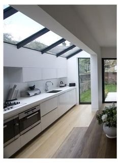Outdoor Kitchen Design, Modern Kitchen Design, Home Decor Kitchen, Kitchen Interior, New Kitchen, Home Kitchens, Kitchen Ideas, Narrow Kitchen, Interior Modern