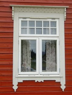 Unique exterior flat trim below window House Front Design, Roof Design, Window Design, House Windows, Windows And Doors, Swedish Cottage, Red Houses, Window Detail, Exterior Trim