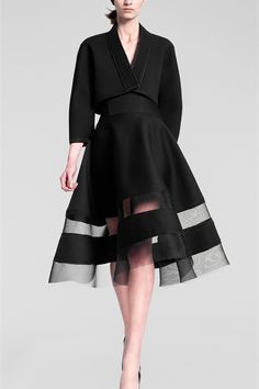 Donna Karan is the queen of A-line perfection. : )