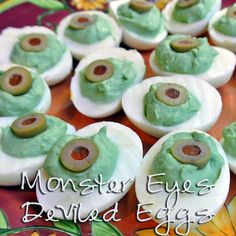 Halloween Deviled Egg Eyeballs