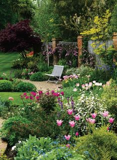 A colourful garden for all seasons | Period Living