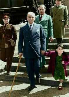 Turkish Army, The Turk, Super Sport Cars, Cultural Identity, History Memes, Great Leaders, Child Day, Love And Respect, Ottoman Empire