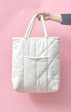 ELECTRIC FEATHERS CHEVRON QUILTED TOTE