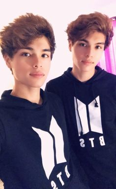 Twin Guys, Rivera Family, Twin Models, Famous Youtubers, Cute Twins, Boy Celebrities, Brent Rivera, Boys Long Hairstyles, Cute Gay Couples