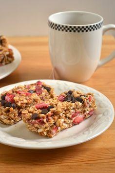 Strawberry Freezer Granola Bars - Food Doodles